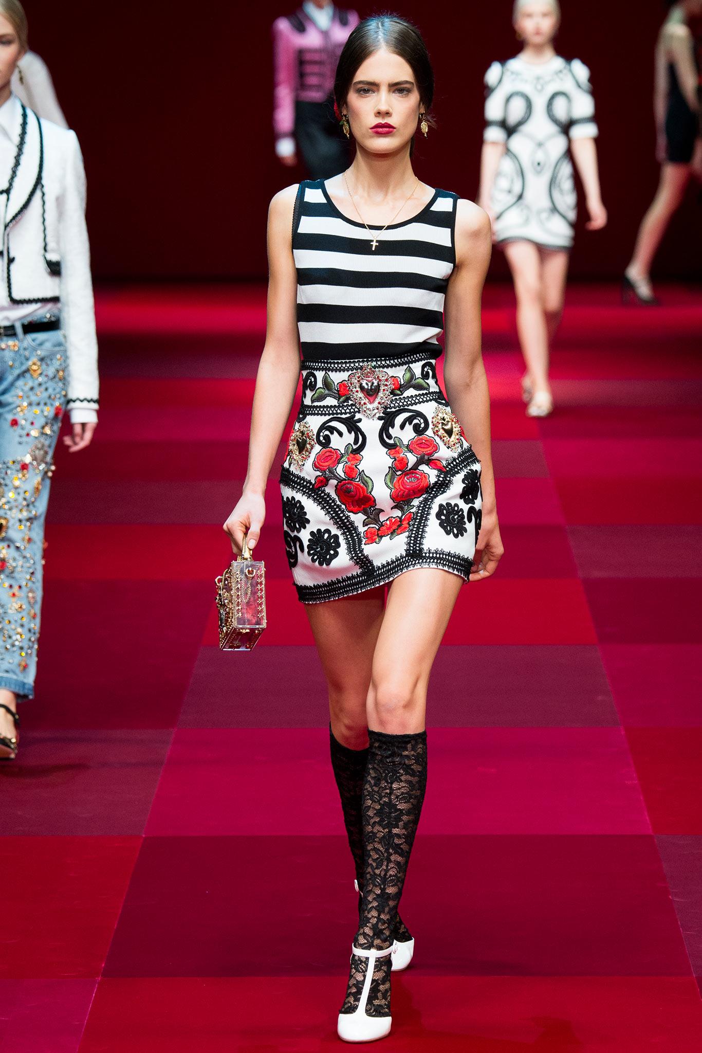 Spanish Fashion: Ladies Edition - Young Adventuress 34